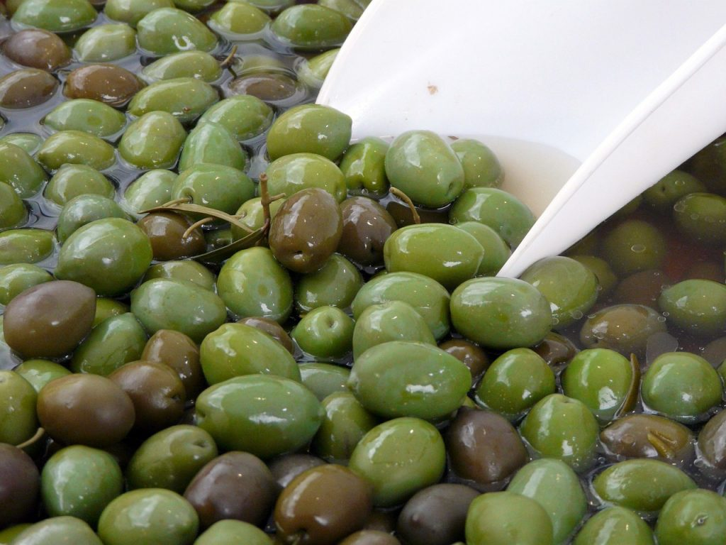 Different-Shades-of-Green-Olive